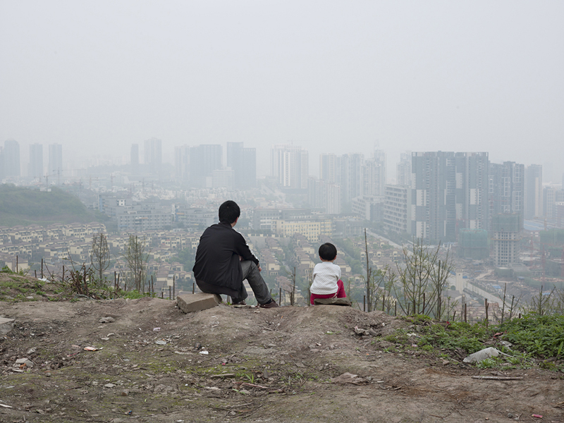 Peter Granser, Father and Daughter, Heaven in Clouds, 2009–2012, © Peter Granser